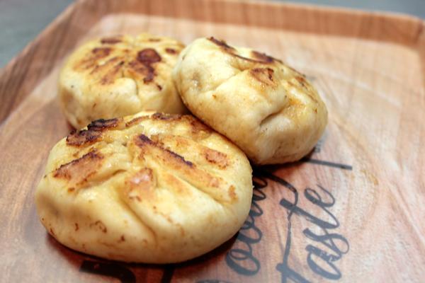 【モッチモチ!ジューシー】家庭で作る美味しい焼き小籠包のレシピ